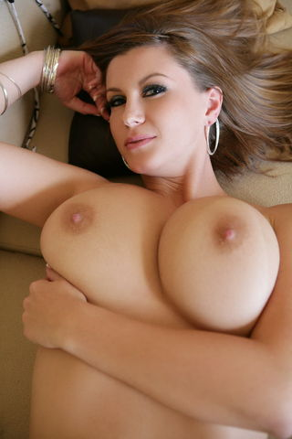 Dvd sara with stone natural breast